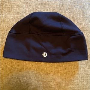 NWOT - Lululemon Brisk Run Toque